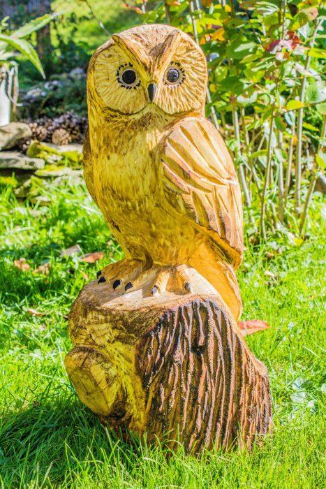 drevorezba sova dekoracia do zahrady